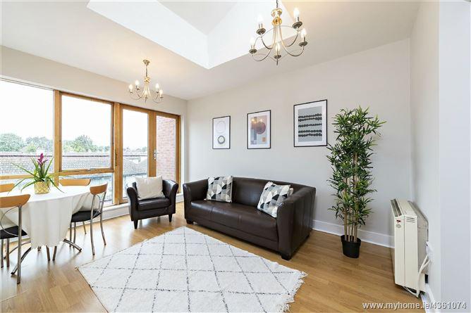 Main image for Castlegate, Oliver Plunkett Road, Monkstown, Co Dublin