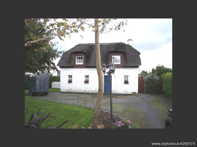 No 3 The Thatched Cottages Knockananna Wicklow Kiersey