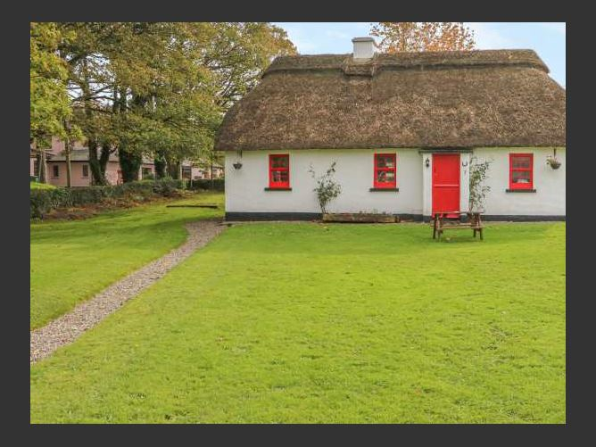 Main image for No. 9 Lough Derg Thatched Cottages, PUCKANE, COUNTY TIPPERARY, Rep. of Ireland