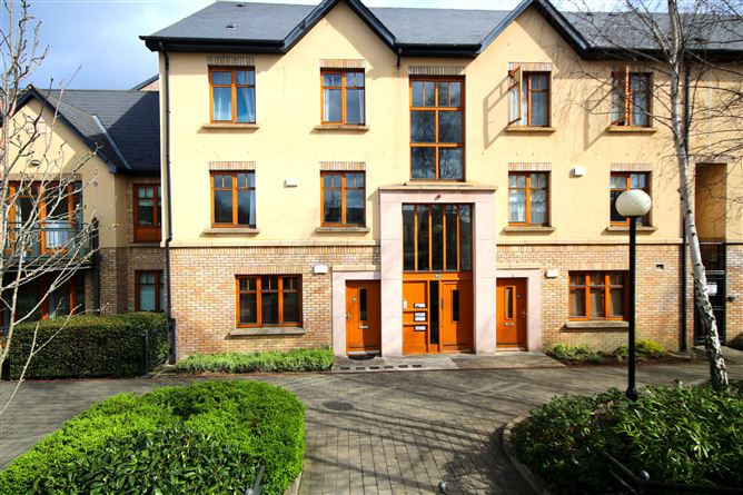 Main image for 80 Woodbrook Crescent, Castleknock, Dublin 15