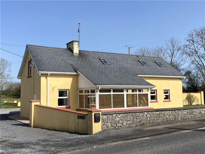 Main image for Dunroamin,Mantlehill,Golden,Tipperary,E25X520