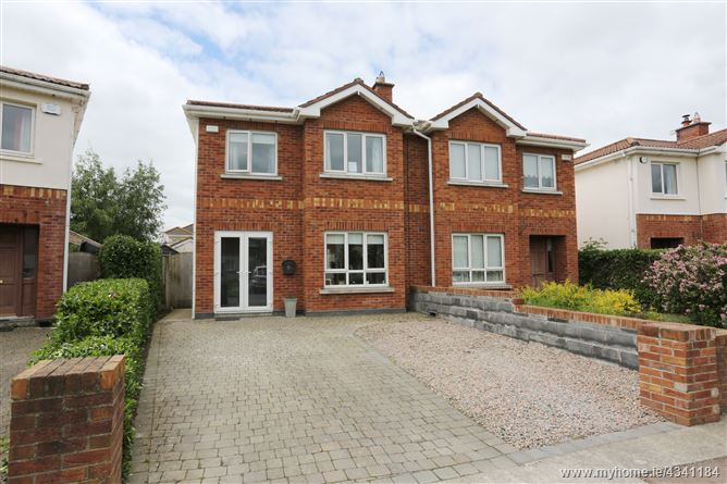 12 Carrigmore Place