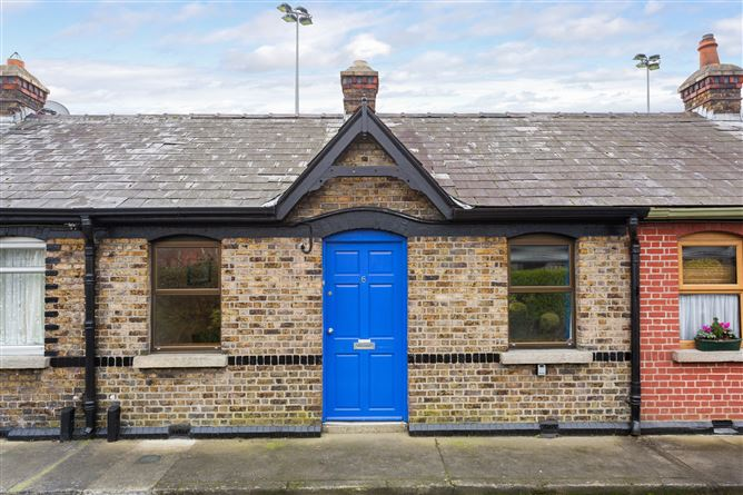 Main image for 6 Gilford Terrace, Sandymount, Dublin 4