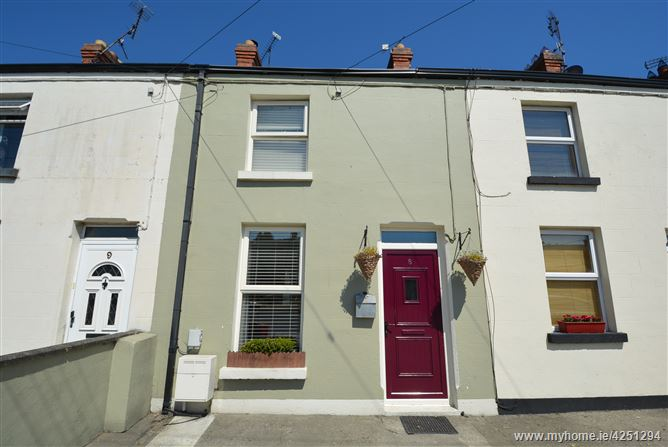 8 McDonald's Terrace, Armagh Road, Dundalk, Louth