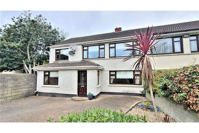 Main image for 9 The Briars, Woodfarm Acres, Palmerstown, Dublin 20