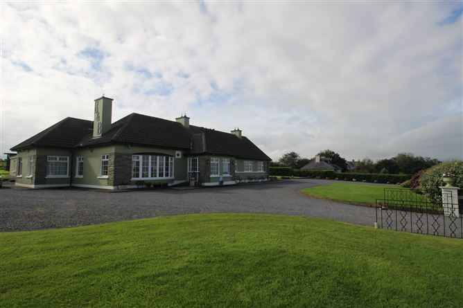 Main image for Ocean View Guesthouse, Renard Rd., Caherciveen, Kerry