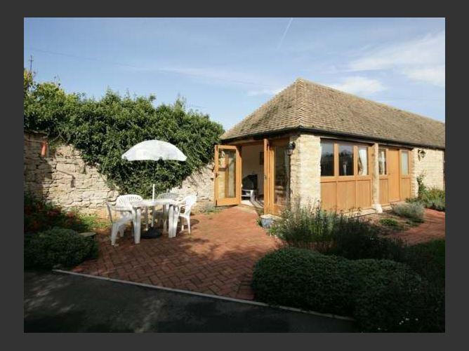 Main image for Laughtons Retreat, STONESFIELD, United Kingdom