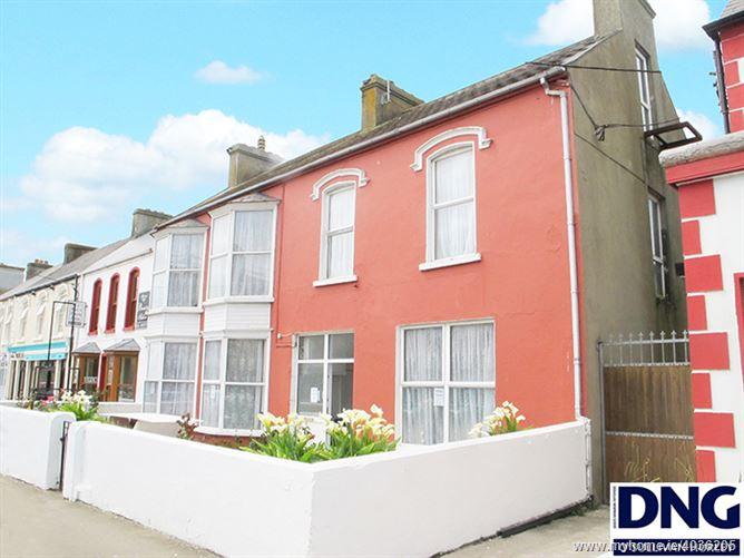 Kilkee Hostel, O'Curry Street, Kilkee, Clare