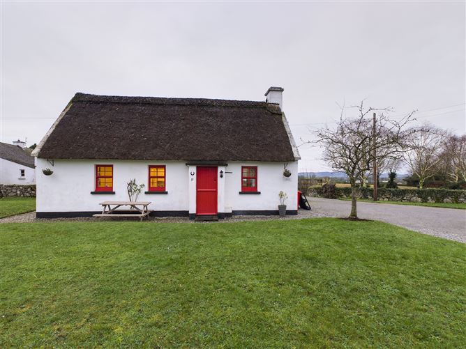 Main image for 11 The Thatched Cottages, Nenagh, Tipperary
