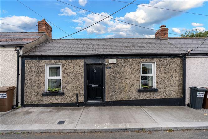 Main image for 5 Fieldview Cottages, Annaville Avenue, Blackrock, County Dublin