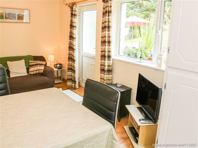 Main image for Montbretia Cottage,Montbretia Cottage, Montbretia Cottage, Sea Road, Letterfrack, County Galway, Ireland