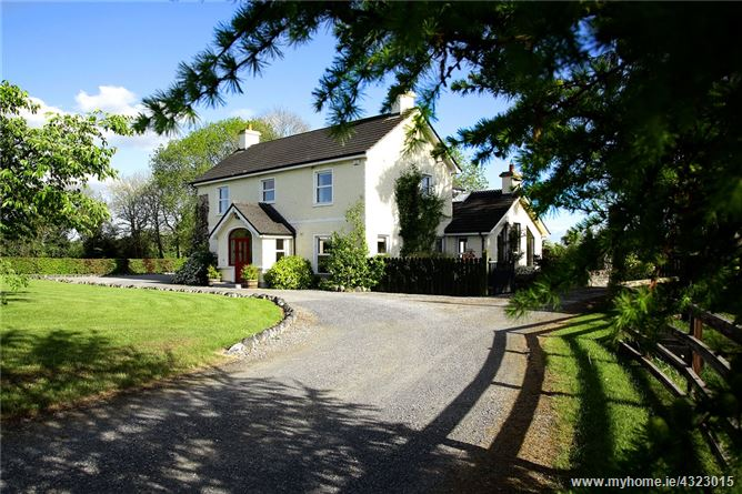 Main image for Bracklin Country House & Stables, 17 Acres, Bracklin Little, Kilbeggan, Co Westmeath