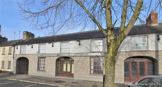 Substantial,Residential, Licensed Premises c. 690 sq.ms/ 7427 sq.ft, Blessington, Wicklow