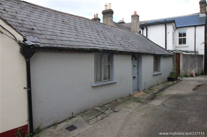 14 Albert Court, Grand Canal Street, South City Centre,   Dublin 2