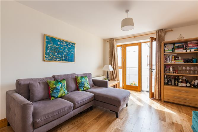 Main image for Apartment 13 Reuben Square Reuben St, South Circular Road, Dublin 8, D08 P20V