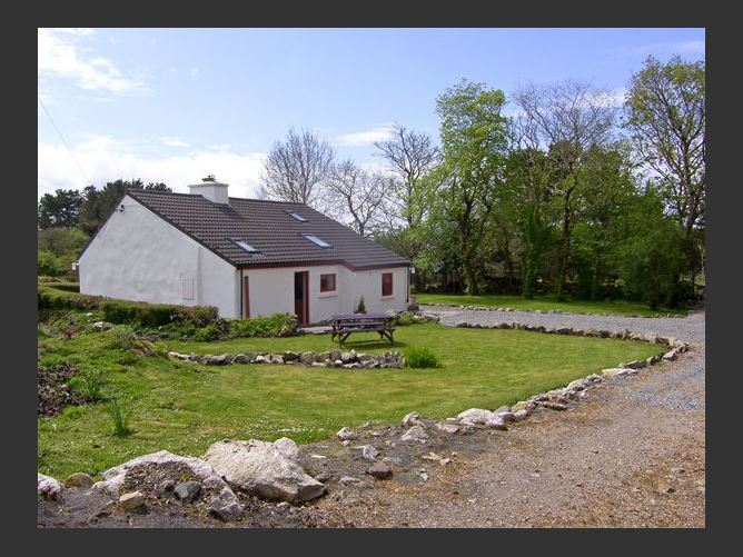 Main image for Rosmuc Cottage, ROSMUC, COUNTY GALWAY, Rep. of Ireland
