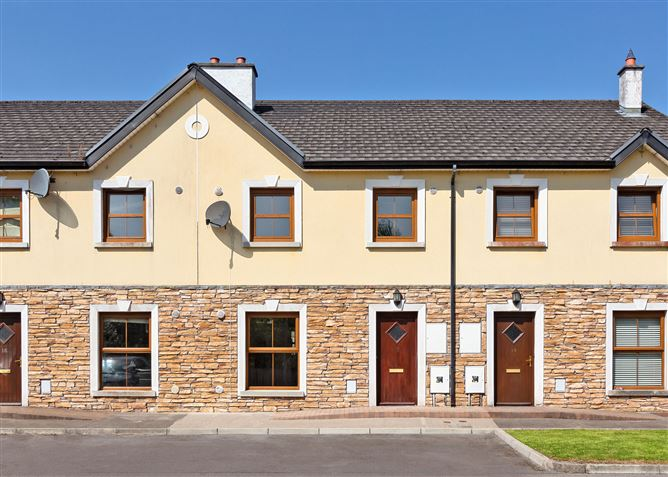 Main image for 15 Mill Hill Lawns, Manorhamilton, Leitrim