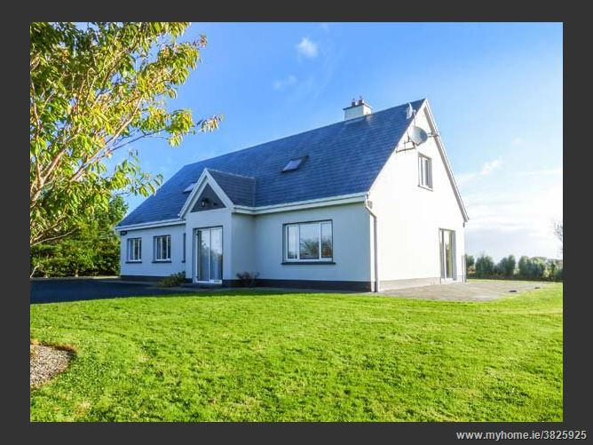Main image for Rinemackaderrig,Rinemackaderrig, Rinemackaderrig, Carrigaholt, County Clare, V15 CK63, Ireland