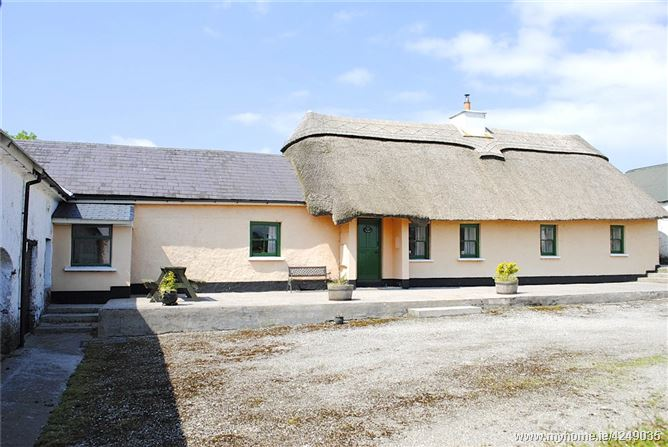 Tigh Ui Fhloinn, The Thatch, Lacken, Cappoquin, Co Waterford