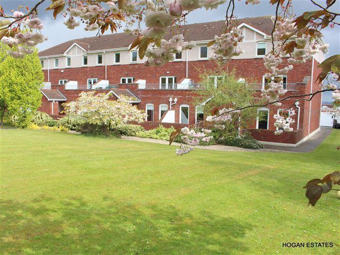 Main image for 2 Edenvale, Eden Court, Rathfarnham, Dublin 14, D16 AE80