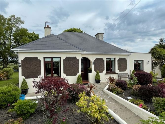 Main image for Errisane, Carrowbehy, Castlerea, Roscommon