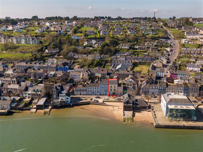 Main image for 3 Strand Street, Youghal, Cork