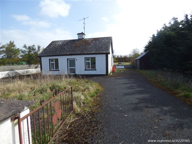 Knockroe, Mayo Abbey, Claremorris, Mayo