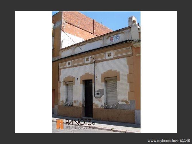 Calle, 17600, Figueres, Spain