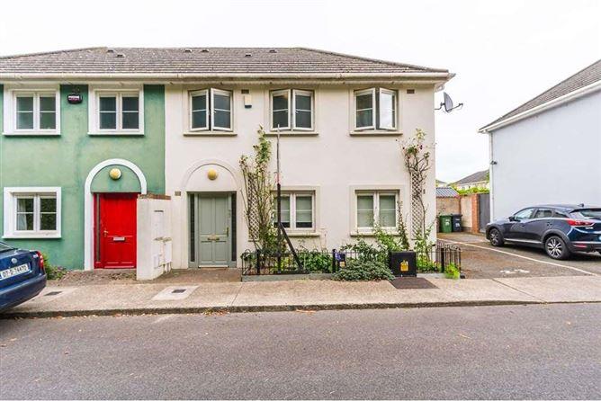 Main image for 23 Bealing Crescent, Tyrrelstown, Dublin 15
