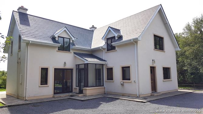 Ref 732 - Detached Residence, Derryquin, Sneem, Kerry