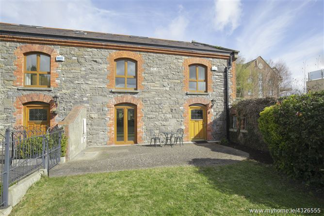 Main image for 8 Grace Park Manor , Drumcondra, Dublin 9