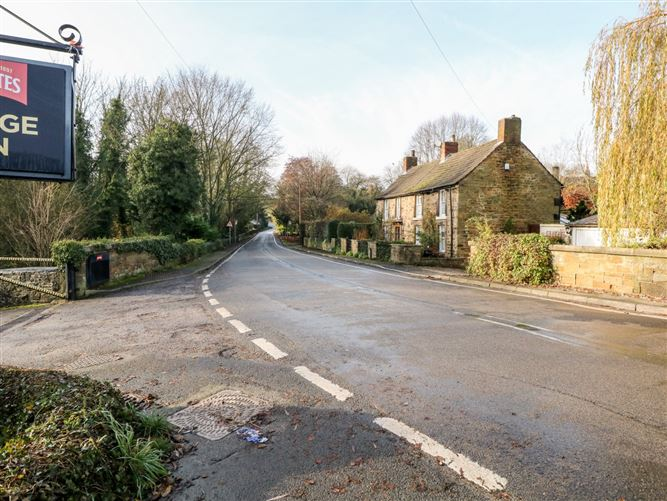 Main image for Geer Cottage,Ridgeway, Derbyshire, United Kingdom
