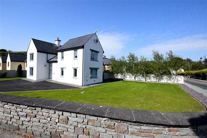 Main image for 25 Paírc na Fána, Union Hall,   West Cork