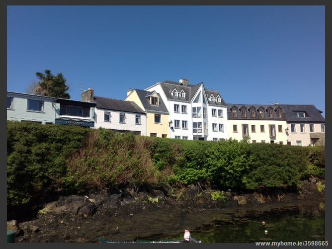 8 Harbour View Apartments, Roundstone, Galway
