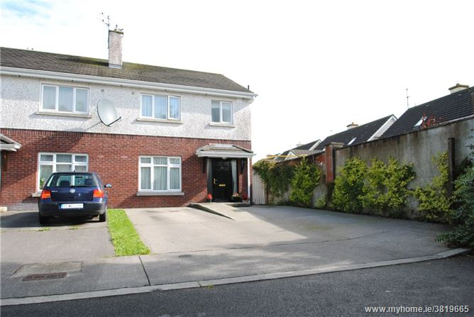 28 Rossmore, Roscrea, Co Tipperary