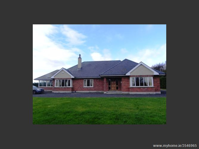 'Pjanjo House' Maddenstown North, Curragh, Kildare