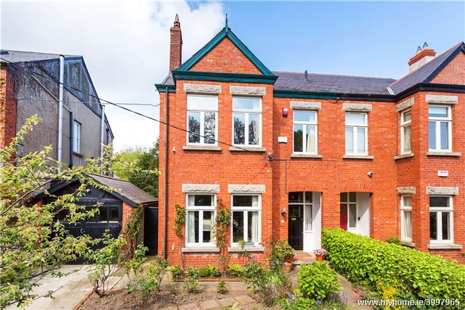 25 Eaton Square, Monkstown, Co. Dublin