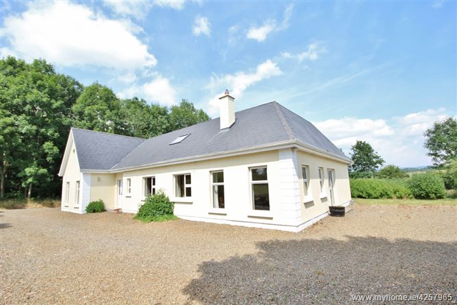 Four Bedroom Detached Residence on c. 5 Acres, Borkill Mor