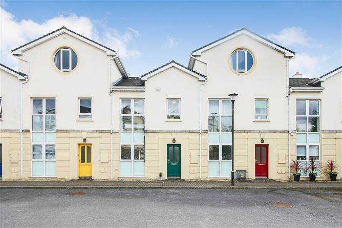 No 9 Townhouse, Inver Geal, Carrick-on-Shannon, Leitrim