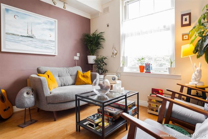 Gorgeous room, cool character flat, Dublin