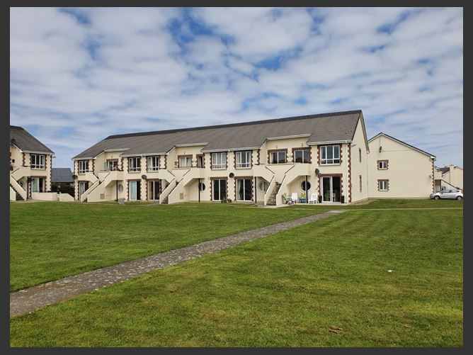 735 Kilkee Bay Apartments