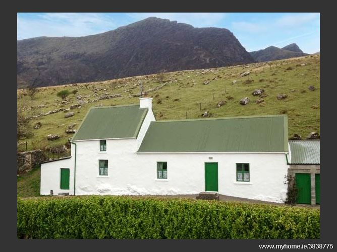Loch Cruite Cottage, CLOGHANE, COUNTY KERRY, Rep. of Ireland