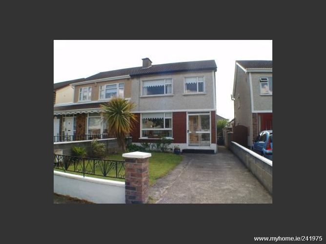 42 Hillcrest Walk, Lucan, Co. Dublin