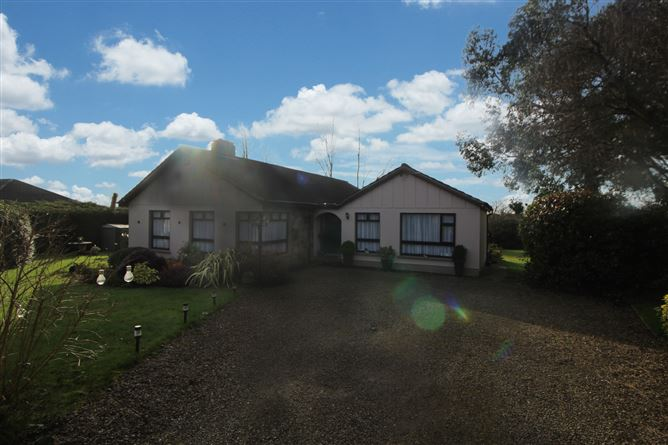 Main image for Wood Road, Cratloekeel, Cratloe, Clare