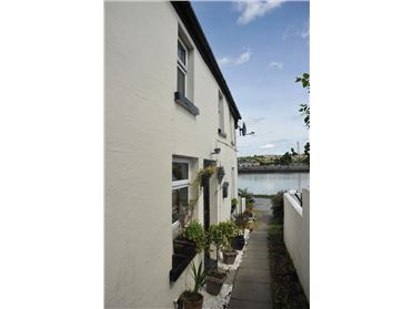 Main image of Kendil Cottage, Lower Shore, Drummullagh, Omeath, Louth