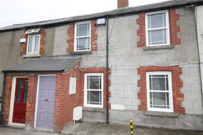 4 Priestfield Cottages, South Circular Road,   Dublin 8