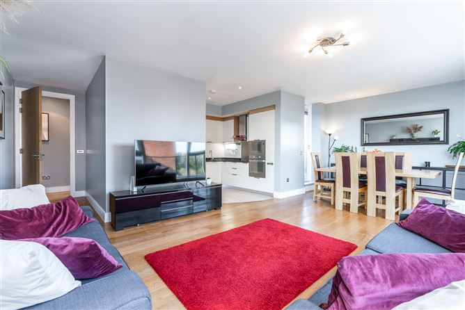 Main image for 15 Levmoss Hall, The Gallops, Leopardstown, Dublin 18