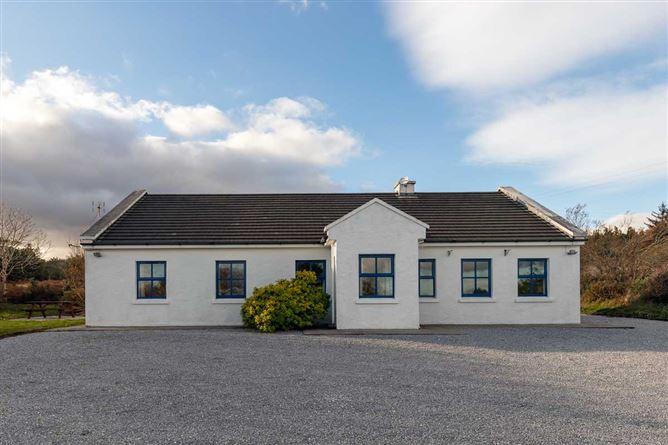 Main image for Inchaloughra Lodge ,Inchaloughra, Aughacasla, Dingle Peninsula, County Kerry V92C1F3