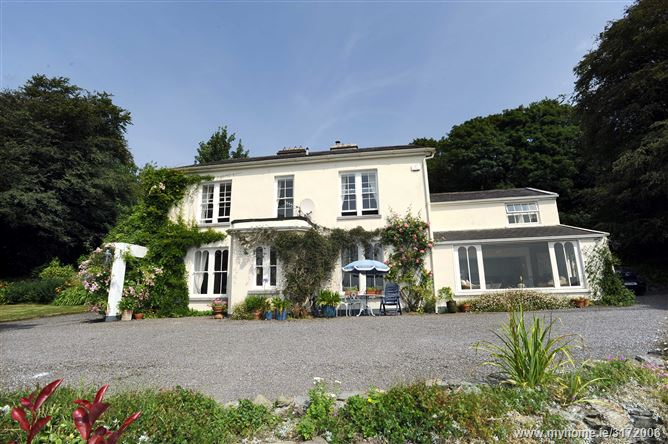 Ballymore Lodge, Valley Road, Cuskinny, Cobh, Cork