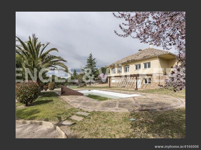 Calle, 28669, Boadilla del Monte, Spain